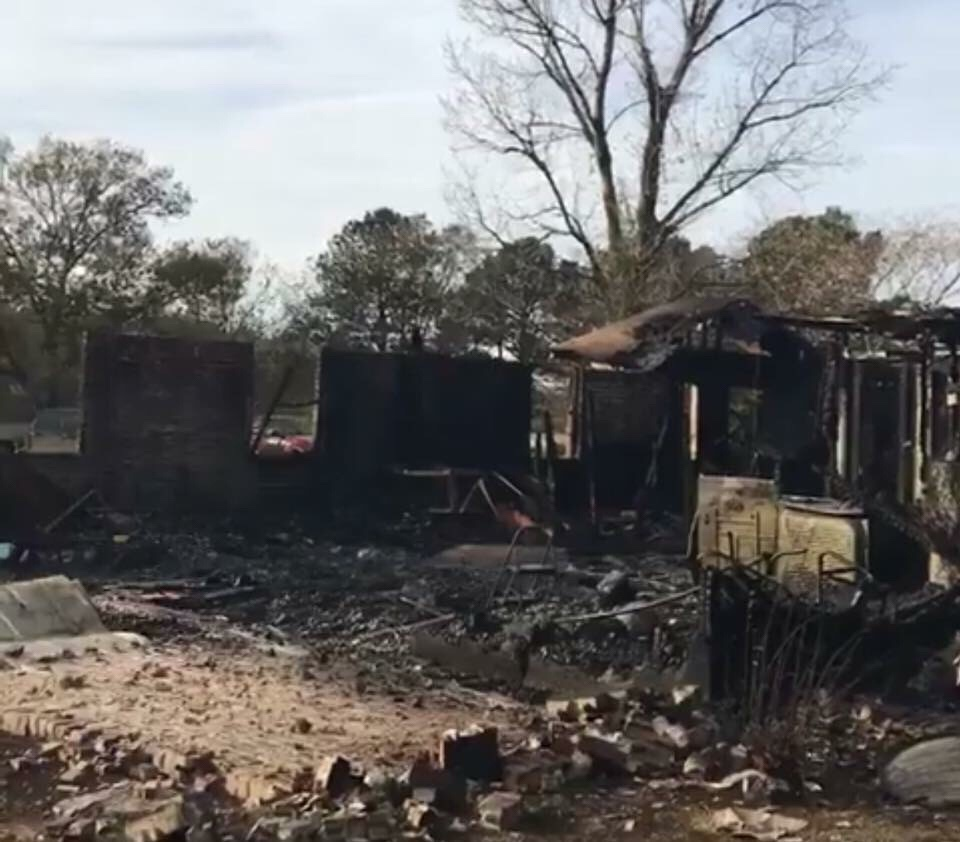 Local Lake Village Ark Family Lose House & Pets To Fire