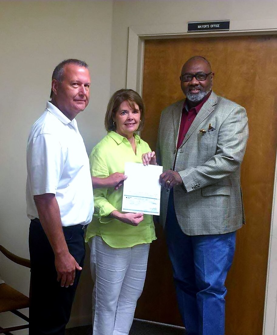 City Of Warren Ark Fire Dept Accepted CenterPoint Energy Community Partnership Grant On Friday